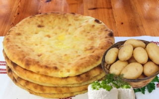 Готовим осетинский пирог с картошкой и сыром