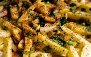 Картофель фри в салатах