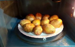 Готовим картошку в микроволновке