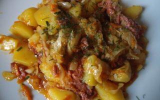 Вкусное и простое блюдо – картошка с тушенкой