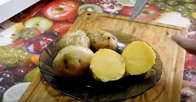 сваренная картошка
