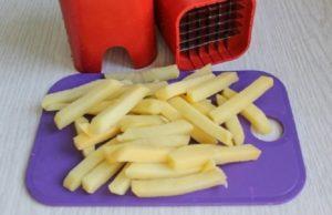 картофель нарезанный брусочками