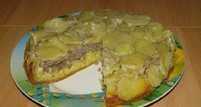 открытый пирог с картошкой и фаршем