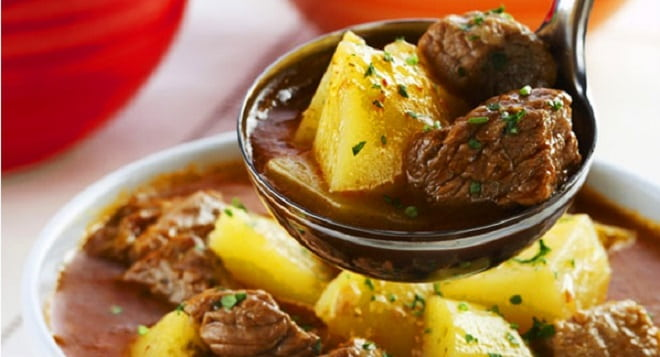 тушеная картошка с говядиной