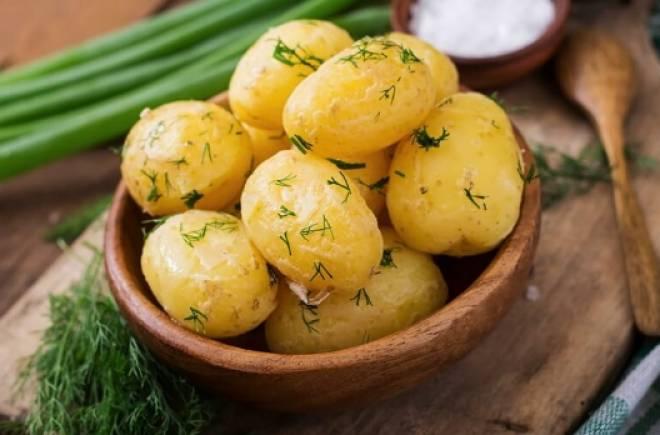 картофель вареный по-деревенски