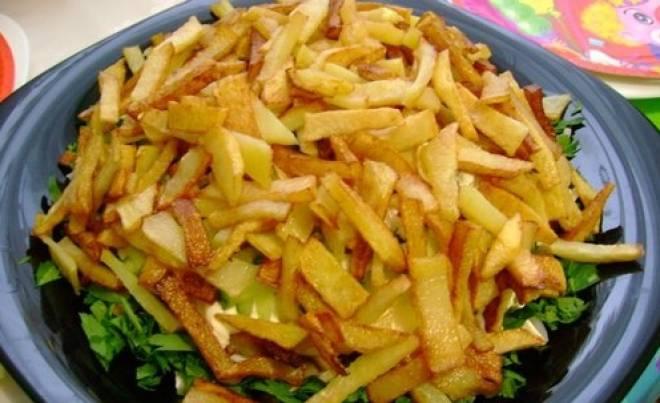 картошка фри в салате