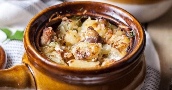 картошка в горшочках в духовке с бараниной