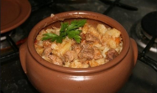 картошка в горшочках в духовке со свининой